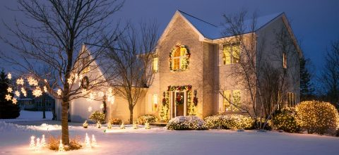 6 Reasons to Buy a Home Around the Holidays